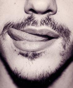 Leccarsi i baffi