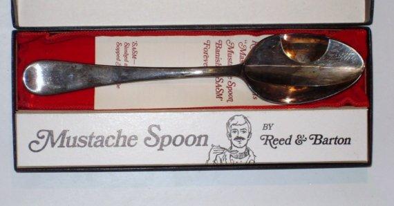 La riedizione del cucchiaio parabaffi prodotta dalla Reed & Barton negli anni '80